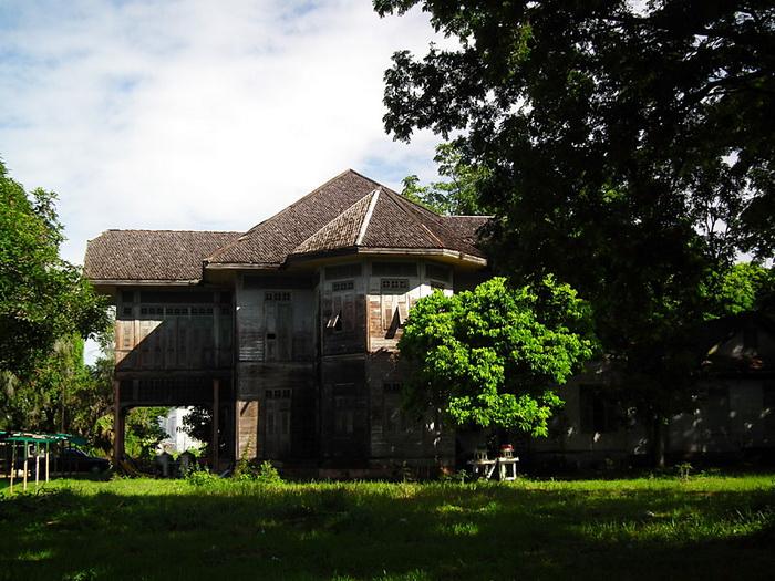 บ้านทรงปั้นหยาโบราณ